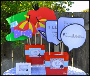 photobooth, Haddy made bubble signs using many of the iconic quotes ...