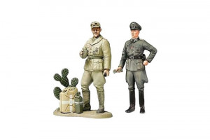 WWII Wehrmacht Officer with Africa Corps Tank Crewman Plastic Figures ...