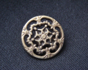 10 Shank Button Sew Sewing Historic Design Celtic 22mm Antique Gold ...