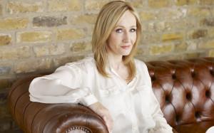 Rowling admite ter publicado policial sob pseudónimo