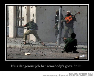 Funny photos funny man playing guitar war