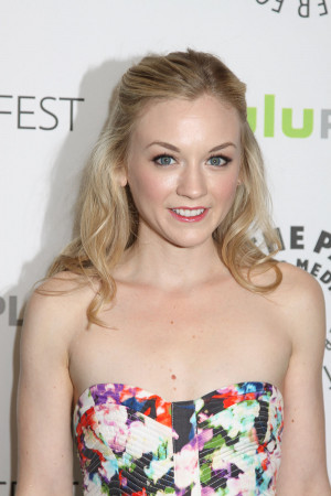 Emily Kinney Pictures