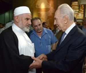 ... Association des Imams d'Israel avec son Président Shimon Peres