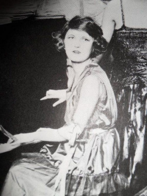 miss-flapper: Zelda Fitzgerald, circa 1920s. Zelda is such a chameleon ...
