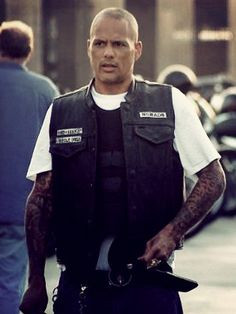 David LaBrava as Happy -- this guy will never not terrify me -_- More