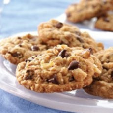 Chewy Chocolate Chip Oatmeal Cookies. Made these cookies but replaced ...