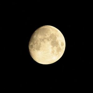 beautiful-full-moon-moon-night-photo-Favim.com-401954.jpg