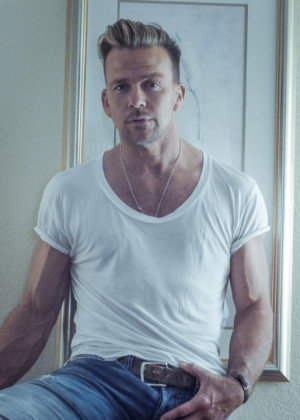 ... photo by volume pr names sean patrick flanery sean patrick flanery