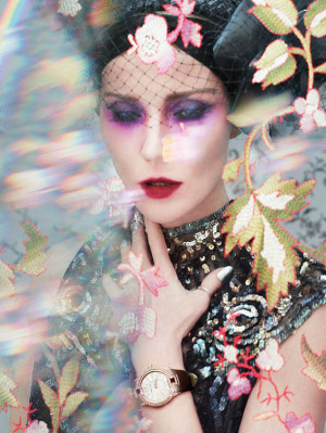Daphne Guinness wearing Roger Dubuis Velvet Diamonds Pink Gold - Photo ...