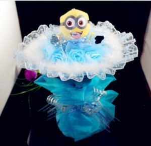 Me Minion Plush Toy Cartoon Bouquet. Holiday / Wedding Holding Flowers ...