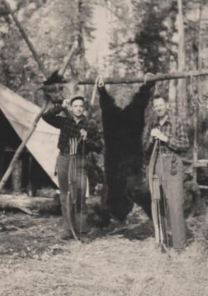 Description Fred Bear and Jim Henderson moose hunt 1943.jpg