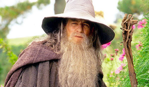 Ian McKellen Says He Still Doesn't Have A Contract For The Hobbit