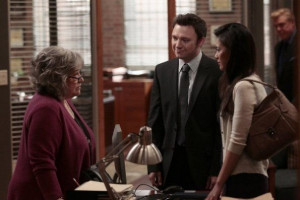 Still of Kathy Bates, Nate Corddry and Irene Keng in Harry's Law