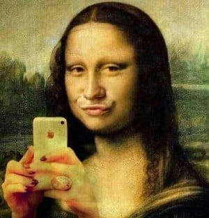mona lisa duck face