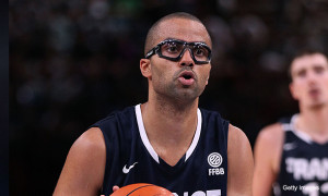 Tony Parker makes hipster glasses an in-game thing