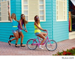 Girls having fun - Funny Pictures, Funny Quotes, Funny Videos - 9LoLs ...