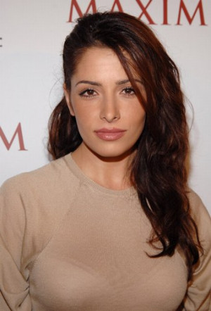 Thread: Sarah Shahi look more Iranian or Spanish ?
