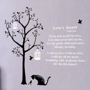 Väggdekor - Träd och dikten Love's secret
