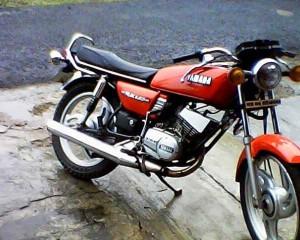 Yamaha RX 100 Bike