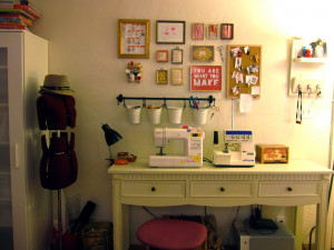 showed you the first part of my sewing wall - decorating with sewing ...