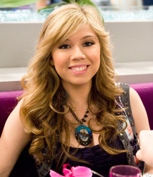 Jennette McCurdy as Sam Puckett in iCarly :