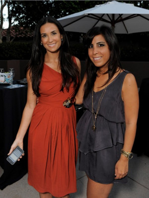 Demi Moore is a self-confessed iPhone fan, who has also actively ...