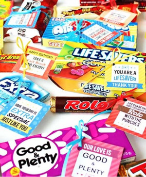 Such cute printable tags for candy gifts. If you want to make a label ...
