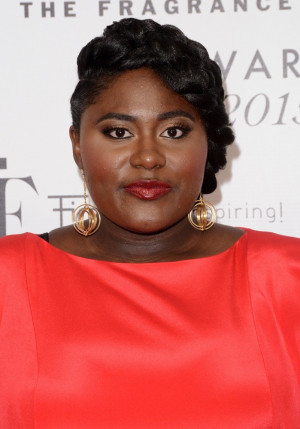 Danielle Brooks Picture 28 2015 Fragrance Foundation Awards Red