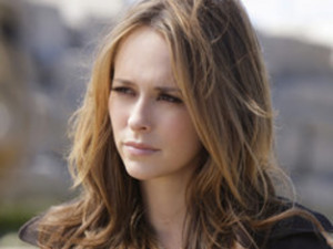 Watch The Ghost Whisperer Season 5 Episode 9 Online