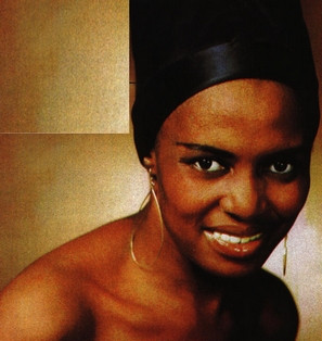 Miriam Makeba, una voz que irrumpe en el mercado de la musica hace….