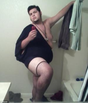 Epic bathroom selfies got Photobombed...12 Images