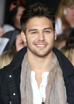 Ryan Guzman Picture 10