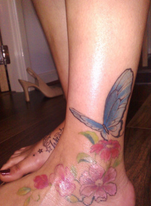 Cute Tattoos For Women on Foot