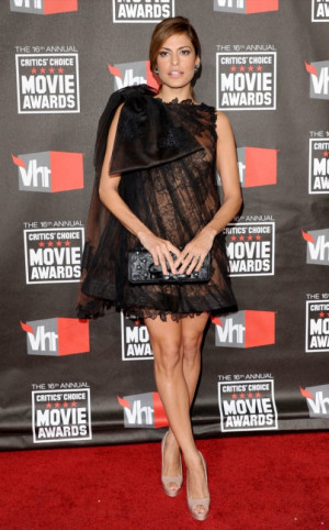 Eva Mendes nuda agli Movie Awards