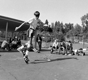 RODNEY MULLEN WITH MINOR THREAT IN THE BACKGROUND