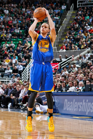 Stephen Curry: Shooting Tips From the New 3-Point Record Holder