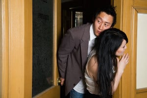 This cheating spouse exposes the warning signs of an emotional affair ...