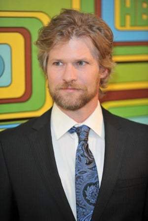 Home Todd Lowe Headhunter