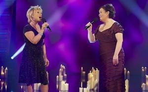 Susan & Elaine sing