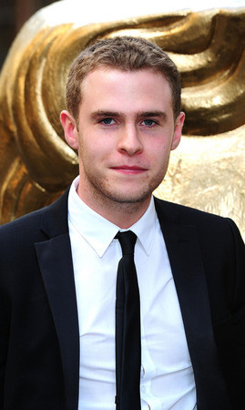 Iain De Caestecker Profile Photo