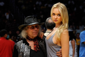 100: Jimmy Goldstein's girlfriend wearing nothing at all