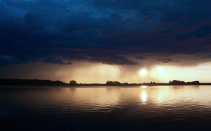 Home - Wallpapers / Photographs - Water - Ominous