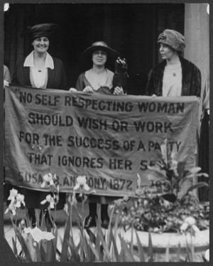 Suffragists_at_1920_Republican_Convention.jpg