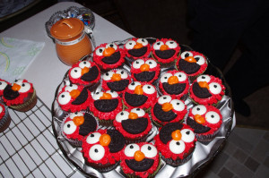 Cute Elmo Quotes Elmo cupcakes for the 2nd