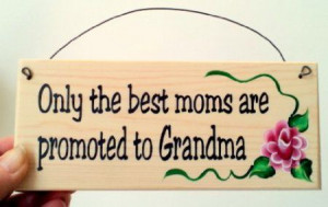 Cute plaque is perfect for the first time grandma!