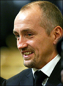 for quotes by Barry McGuigan. You can to use those 7 images of quotes ...