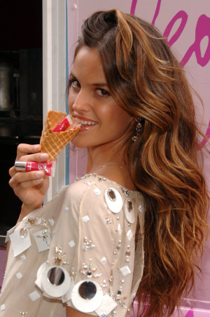 Izabel Goulart Photo Picture Image Pic
