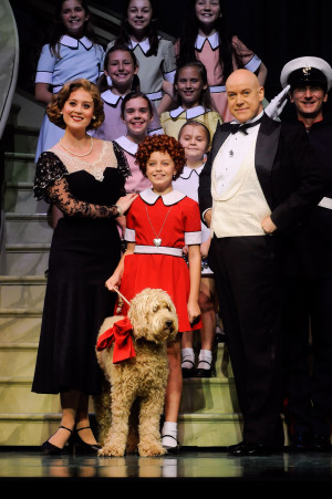 Annie-the-musical-cast.jpg