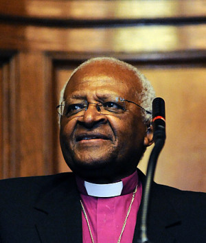 Archbishop Desmond Tutu, Nobel Peace Prize winner who fought against ...