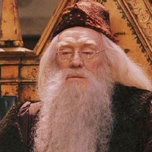 Richard Harris aceptó el papel de Dumbledore cuando su nieta amenazó ...